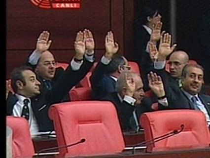 AKP'ê bi xwe pêşniyaza xwe red kir