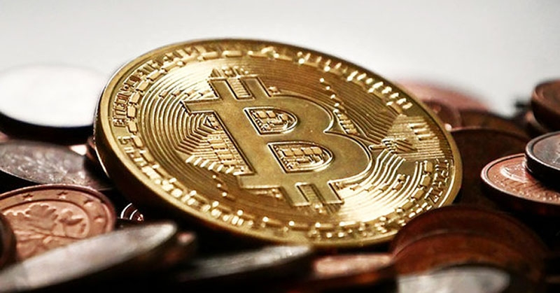 Bitcoin beriya sersalê pir zû dadikeve û bilind dibe